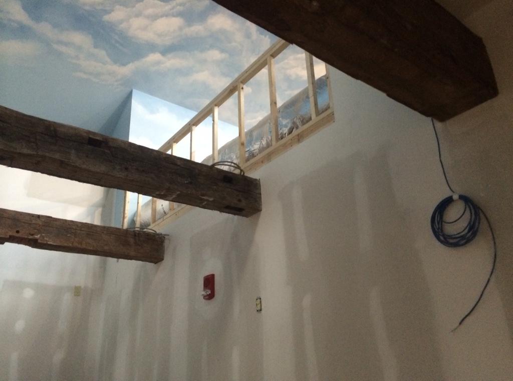 photo.JPG ceiling with beams